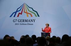 Chanceler da Alemanha, Angela Merkel, durante entrevista coletiva na cúpula do G7 em Kruen, sul da Alemanha, na segunda-feira. 08/06/2015 REUTERS/Michaela Rehle