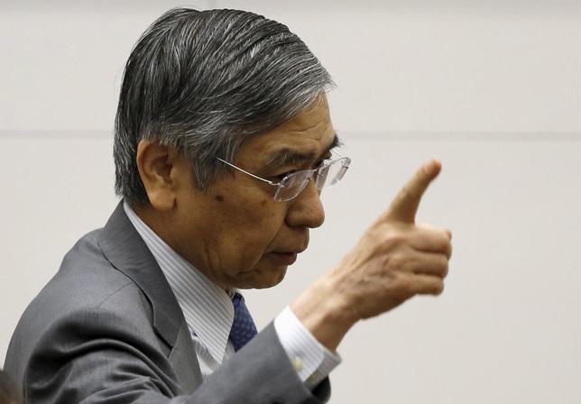 6月10日、日銀の黒田総裁は、米国の利上げが市場にほぼ織り込まれているならば、これ以上のドル高が進む必要はないとの認識を示した。4日、都内で行われた国際コンファレンスで撮影(2015年 ロイター/Toru Hanai)