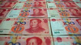 Les investissements chinois à l'étranger ont bondi de 47,4% au cours des cinq premiers mois de l'année, à 278,4 milliards de yuans (39,36 milliards d'euros). Sur la même période, les investissements directs étrangers en Chine ont augmenté de 10,5% par rapport à la même période de l'an dernier, à 331,0 milliards de yuans. /Photo d'archives/REUTERS/Petar Kujundzic