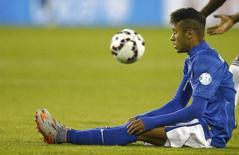 Atacante Neymar, da seleção brasileira, durante partida contra a Colômbia pela Copa América, em Santiago, no Chile. 17/06/2015 REUTERS/Ricardo Moraes