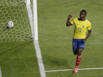 Enner Valencia comemora gol do Equador contra o México.  19/6/2015.   REUTERS/Jorge Adorno