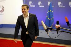 Greek Prime Minister Alexis Tsipras leaves the European Commission after a meeting ahead of a Eurozone emergency summit on Greece in Brussels, Belgium early June 23, 2015.  REUTERS/Charles Platiau