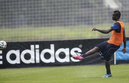 adidas dice que no modificará su acuerdo con la FIFA en los próximos años