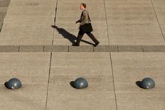 Les quelque 3.000 entreprises de taille intermédiaires (ETI) de France s'attendent à une sensible accélération de leur activité cette année grâce à l'international et devraient accroître leurs investissements mais resteront prudentes sur l'emploi. /Photo d'archives/REUTERS/Benoît Tessier