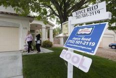 Una vivienda a la venta en Henderson, EEUU, abr 8 2013. Los contratos para comprar viviendas usadas en Estados Unidos subieron a su mayor nivel en algo más de nueve años en mayo, en un nuevo impulso al mercado de las casas y al panorama económico en general.    REUTER/Steve Marcus
