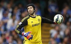 Goleiro Petr Cech, então no Chelsea, durante partida contra o Sunderland pelo Campeonato Inglês. 24/05/2015 REUTERS/Action Images/John Sibley
