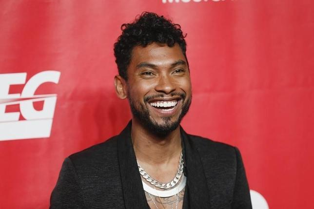 r b singer miguel says new 39 wildheart 39 album rooted in la. Black Bedroom Furniture Sets. Home Design Ideas