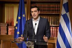 """Dans son allocution télévisée, Alexis Tsipras a réitéré mercredi son appel à voter """"non"""" aux propositions des créanciers de la Grèce lors du référendum de dimanche. /Photo prise le 1er juillet 2015/ REUTERS/Bureau du Premier ministre grec/Andrea Bonetti"""