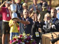 Jordan Spieth hoists the U.S. Open Championship Trophy after winning 2015 U.S. Open golf tournament at Chambers Bay. John David Mercer-USA TODAY Sports