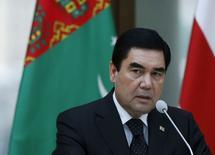 Turkmenistan's President Kurbanguly Berdymukhamedov speaks at a news briefing in Tbilisi, Georgia, July 2, 2015. REUTERS/David Mdzinarishvili