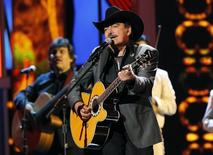 "Joan Sebastian performs ""Disename"" during the 13th Latin Grammy Awards in Las Vegas, Nevada, November 15, 2012. REUTERS/Mario Anzuoni"