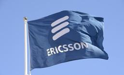Le suédois Ericsson, premier équipementier mondial des réseaux mobiles, a publié vendredi un chiffre d'affaires et un bénéfice supérieurs aux attentes pour le deuxième trimestre avec la stabilisation de ses activités en Amérique du Nord. /Photo d'archives/REUTERS/Jonas Ekstromer/TT News Agency