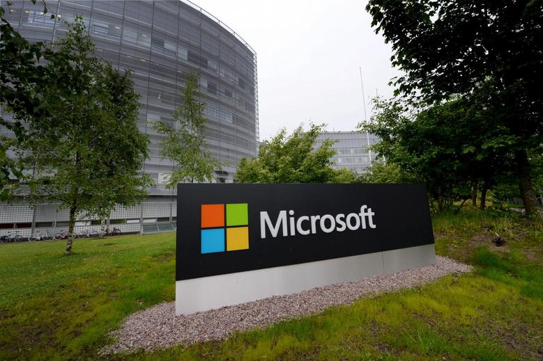 A Microsoft sign is pictured at its Finnish headquarters in Espoo, Finland July 8, 2015. REUTERS/Mikko Stig/Lehtikuva