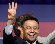 Presidente do Barcelona, Josep Maria Bartomeu, comemora vitória em eleição à presidência do clube. 18/07/2015 REUTERS/Albert Gea