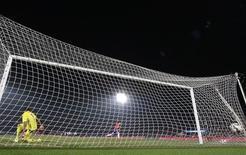مانشستر يونايتد يضم الحارس الأرجنتيني روميرو