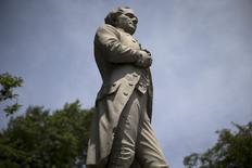 Estátua de Alexander Hamilton no Central Park, em Nova York. 28/07/2015 REUTERS/Mike Segar