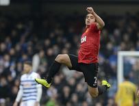 Rafael comemoram gol pelo Manchester United em partida de 2013. 23/02/2013 REUTERS/Nigel Roddis