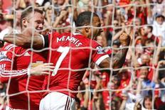 Memphis Depay e Wayne Rooney durante partida contra o Tottenham Hotspur, na Inglaterra.  08/08/2015  Action Images via Reuters / Darren Staples Livepic