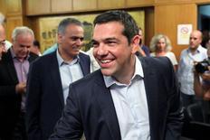 El primer ministro griego, Alexis Tsipras, en el Ministerio de Agricultura en Atenas, el 5 de agosto de 2015. Grecia obtuvo financiación de la Unión Europea y del FMI por unos 85.000 millones de euros en un periodo de tres años, dijo el martes un funcionario del Ministerio de Finanzas, después de que Atenas y sus prestamistas lograron un acuerdo de rescate tras una maratónica sesión de conversaciones. REUTERS/Yiannis Kourtoglou