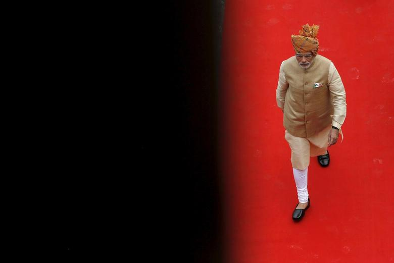 Prime Minister Narendra Modi arrives to address the nation from the historic Red Fort during Independence Day celebrations in Delhi, India, August 15, 2015. REUTERS/Adnan Abidi