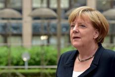 Imagen de archivo. La canciller alemana Angela Merkel en una reunión de los líderes de la UE en Bruselas, 7 jul, 2015. La canciller alemana, Angela Merkel, dijo el domingo que espera que el FMI participe en el nuevo paquete de rescate para Grecia, señalando que la directora gerente de la institución, Christine Lagarde, se había comprometido a ejercer presión en el directorio del Fondo. REUTERS/Eric Vidal
