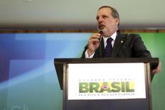 O ministro do Desenvolvimento, Indústria e Comércio Exterior, Armando Monteiro Neto, concede entrevista coletiva no Palácio do Planalto, em Brasília, no ano passado. 01/12/2014 REUTERS/Ueslei Marcelino