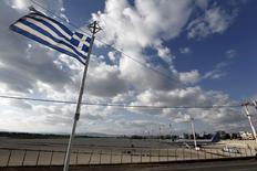 Le groupe allemand Fraport a dit jeudi ne pas s'attendre à ce que ses négociations avec le gouvernement grec pour l'exploitation de 14 aéroports régionaux aboutisse à un accord avant la fin de l'année. /Photo d'archives/REUTERS/Yorgos Karahalis