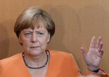 German Chancellor Angela Merkel gestures during the weekly cabinet meeting at the Chancellery in Berlin, Germany, July 1, 2015.     REUTERS/Fabrizio Bensch  TPX IMAGES OF THE DAY
