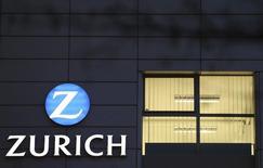 Un edificio de la compañíaa Zurich Insurance en Berna, 4 de febrero de 2014. La compañía de seguros suiza Zurich Insurance hizo una oferta de compra de 5.600 millones de libras esterlinas (8.800 millones de dólares) por su rival británico RSA el martes, allanando el camino para uno de los acuerdos más grandes del sector en Europa. REUTERS/Thomas Hodel
