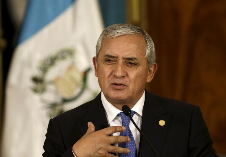 Guatemalan President Otto Perez speaks during a news conference in the Presidential House in Guatemala City, August 31, 2015. REUTERS/Jorge Dan Lopez