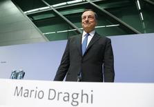 El presidente del BCE, Mario Draghi, en una conferencia de prensa en Fráncfort, el 3 de septiembre de 2015. El Banco Central Europeo recortó el jueves sus proyecciones de inflación y crecimiento para la zona euro, y el presidente del organismo dijo que el panorama para la economía del bloque podría empeorar. REUTERS/Ralph Orlowski