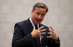 Primeiro-ministro britânico, David Cameron, durante discurso na Inglaterra.   02/09/2015   REUTERS/Carl Court/Pool