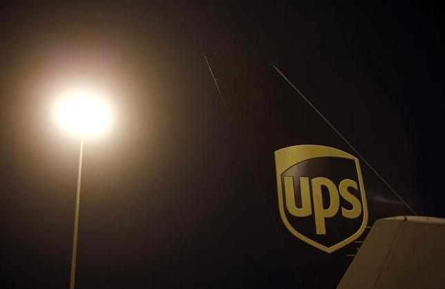 An airplane is seen on the tarmac at the United Parcel Service (UPS) Regional Air Hub in Rockford, Illinois, December 9, 2014. REUTERS/Jim Young