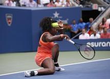 Tenista norte-americana Serena Williams em partida contra italiana Roberta Vinci no Aberto dos Estados Unidos, em Nova York, nesta sexta-feira. 11/09/2015 REUTERS/Mike Segar