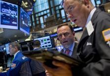 Operadores na Bolsa de Valores de Nova York. 08/09/2015. REUTERS/Brendan McDermid