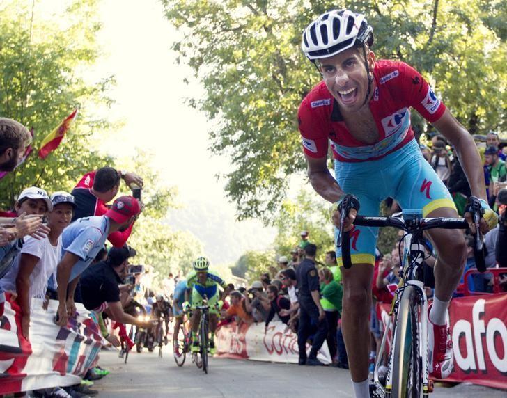 CICLISMO-Fabio Aru de Italia consigue triunfo en su debut en Vuelta a España