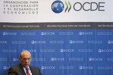 El Secretario General de la OCDE, Ángel Gurría, durante una conferencia en Ciudad de México, 8 de enero de 2015. La Organización para la Cooperación y el Desarrollo Económicos (OCDE) planea reducir sus pronósticos de crecimiento global con significativos recortes a su perspectiva para algunas regiones, dijo el secretario general del organismo con sede en París. REUTERS/Edgard Garrido