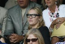 Actor Kate Winslet on Centre Court at the Wimbledon Tennis Championships in London, July 12, 2015.  REUTERS/Stefan Wermuth