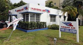 La oficina de la aerolínea La Habana Air en Miami, Florida, 19 de septiembre de 2015. REUTERS/Joe Skipper