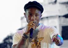Cantor Pharrell Williams durante show em Cingapura no GP de Fórmula 1.  18/9/15.  REUTERS/Divulgação