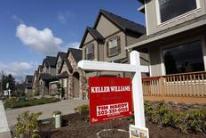 Casas a la venta en el área noroeste de Portland, Oregon, 20 de marzo de 2014. Las solicitudes de crédito hipotecario en Estados Unidos subieron la semana pasada por un avance tanto de los pedidos para compras de vivienda como para refinanciación, dijo el miércoles un grupo del sector. REUTERS/Steve Dipaola/Files