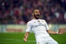 Karim Benzema comemora gol do Real Madrid contra o Athletic Bilbao.  23/9/2015. REUTERS/Vincent West