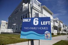 Les ventes de logements neufs ont progressé de 5,7% en août aux Etats-Unis, à 552.000 en rythme annualisé. /Photo prise le 16 septembre 2015/REUTERS/Shannon Stapleton