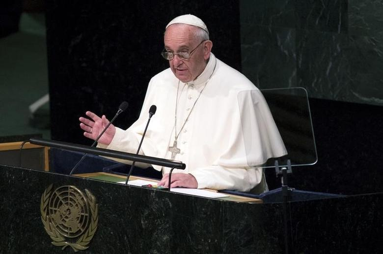 Pope Francis addresses attendees in the opening ceremony to commence a plenary meeting of the United Nations Sustainable Development Summit 2015 at the United Nations headquarters in Manhattan, New York September 25, 2015. REUTERS/Andrew Kelly
