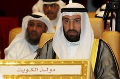 El ministro de Petróleo de Kuwait, Ali al-Omair, durante una reunión en Doha, 10 de septiembre de 2015. Una cumbre de la Organización de Países Exportadores de Petróleo (OPEP) y de naciones que no integran el organismo, sugerida por Venezuela, no tendría sentido debido a que los productores independientes no están comprometidos en recortar la producción, dijo el lunes el ministro de Petróleo de Kuwait, Ali al-Omair. REUTERS/Naseem Zeitoon