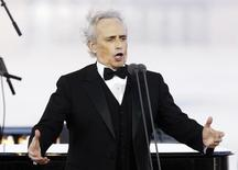 "Spanish tenor Jose Carreras sings during the ""Blagovest"" charity event to support children suffering from oncological and ophthalmological diseases, in Moscow July 10, 2011.    REUTERS/Sergei Karpukhin"