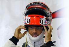 Piloto da McLaren Jenson Button em Suzuka. 25/09/2015 REUTERS/Thomas Peter