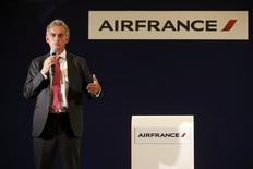 Le PDG d'Air France, Frédéric Gagey. La compagnie a annoncé lundi aux syndicats son intention de supprimer 2.900 postes et de retirer 14 avions de sa flotte long-courrier d'ici 2017 au cours d'une réunion d'un comité central d'entreprise (CCE) rapidement interrompu par des violences. /Photo prise le 5 octobre 2015/REUTERS/Jacky Naegelen