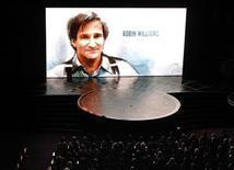 Homenagem ao falecido ator Robin Williams durante cerimônia de entrega do Oscar em Hollywood. 22/02/2015 REUTERS/Mike Blake
