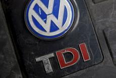 Le patron de Volkswagen aux Etats-Unis dira jeudi à une commission du Congrès américain avoir été informé au printemps 2014 du fait que le constructeur allemand violait peut-être les règles des tests d'émissions des moteurs diesel dans ce pays. /Photo prise le 26 septembre 2015/REUTERS/Dado Ruvic